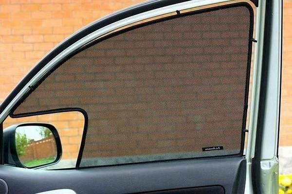 Используем сетку для стекол автомобиля вместо тонировки