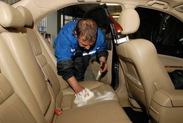 Средства для химчистки салона автомобиля  отмоют все