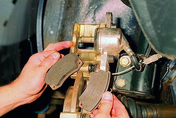 Замена тормозных дисков своими руками